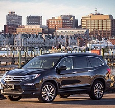 9 Best SUVs for Families that Moms Love!