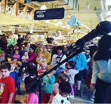 FREE Mini Concert at Whole Foods, West Loop. Every Tuesday Morning!