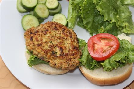 Meditteranean Chicken Burger - KidTrail Recipe
