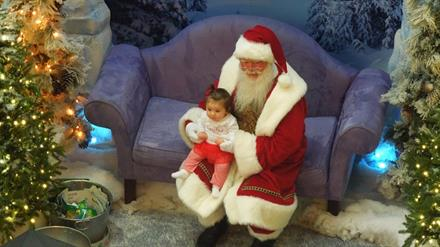 7 Places to Meet and Greet Santa in Chicago - KidTrail Pick