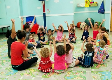 10 Chicago Gyms With Child Care - KidTrail Pick