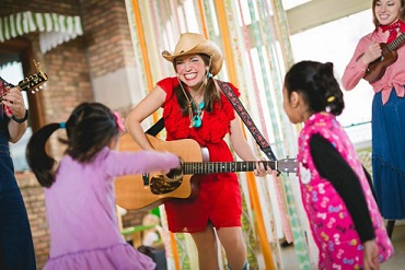 14 Kids Events in Chicago, 8 are FREE! Apr 29 to May 1 - KidTrail Pick