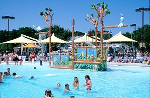 5 Awesome Suburban Pools and Water Parks! - KidTrail Pick