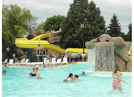 Best Chicago Area Pool for Birthday! - KidTrail Pick